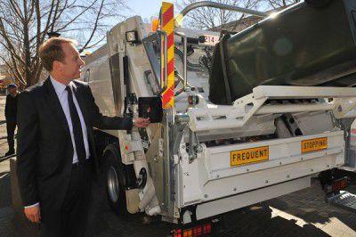 Garbage Truck-8714
