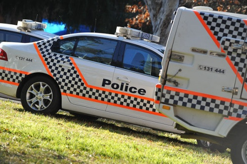 Crash closes Belconnen Way