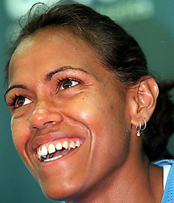 cathy freeman Catherine astrid salome cathy freeman, oam (born 16 february 1973) is an australian former sprinter, who specialised in the 400 metres event she would occasionally compete in other track events, but 400m was her main event.