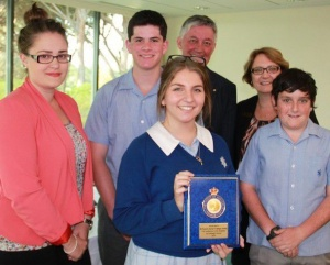 Sue Sturgess, Sue Carroll with three year 10 students from St Francis Xavier College after receiving their award from Mark Sullivan.