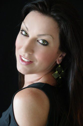 Soprano Antoinette Halloran