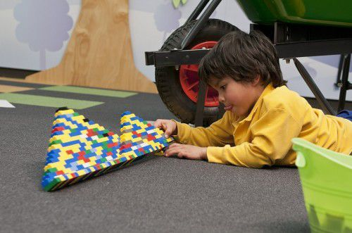 Building LEGO low res