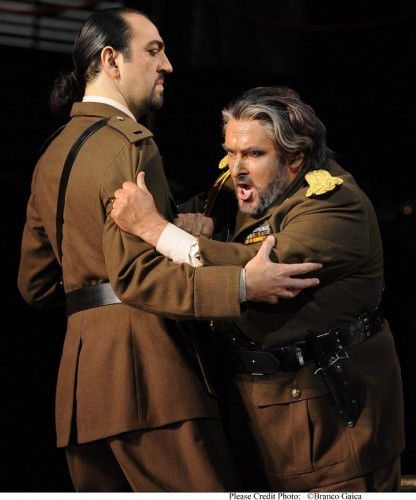 Claudio Sgura as Iago and Simon O'Neill as Otello. Photo  Branco Gaica.