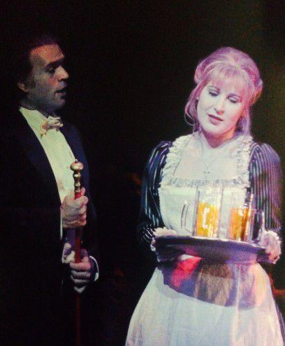 Faust (l) meets Marguerite (r) (Nicole Car)