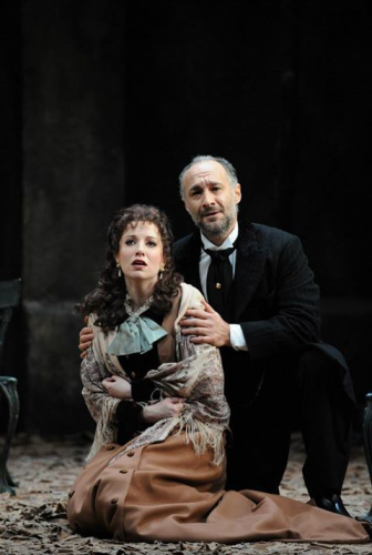 Gore/Violetta and Jose Carbo as Germont