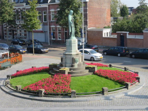 Dutch floral roundabouts… great competition to create the best landscaped roundabout.