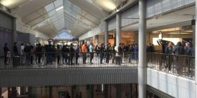 apple queue canberra centre