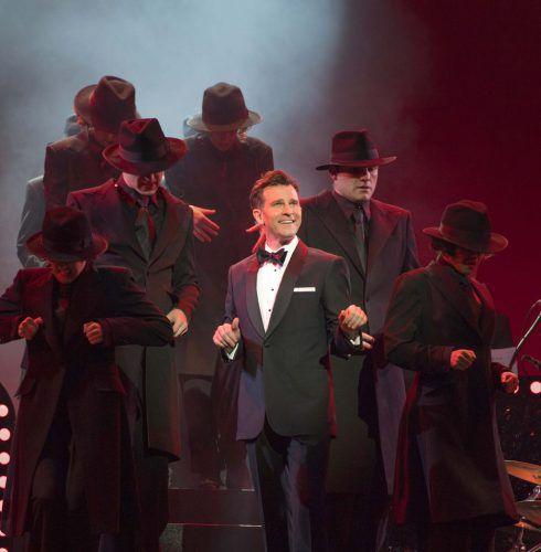 David-Campbell and ensemble, photo Brian Geach