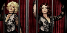 Chicago murderesses Roxie Hart (Vanessa Valois) and Velma Kelly (Kelly Roberts)