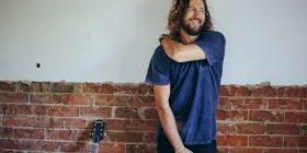 Jack Biilmann, clothed