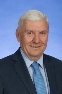 Libs fete retiring Steve Doszpot