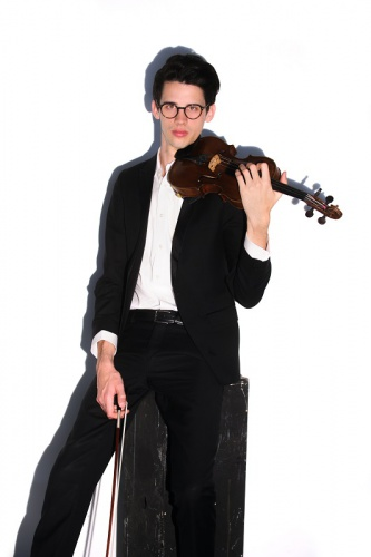 music / Canberra Symphony Orchestra's ACTEWAGL Llewellyn Series, Llewellyn Hall, November 8. Reviewed by IAN McLEAN.