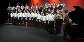 The mixed WV youth choir with pianist Sally Greenaway, photo Peter Hislop