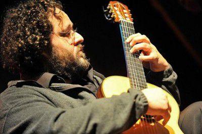 Guilherme Vincens performed as part of Brazilian Guitar Magic.