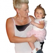 Pink fan Tania Hart with daughter Willow.