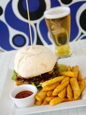 Aussie lamb burger and Blue Tongue lager