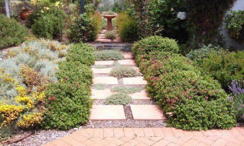 Starting a new garden? Look for ideas around the neighbourhood.