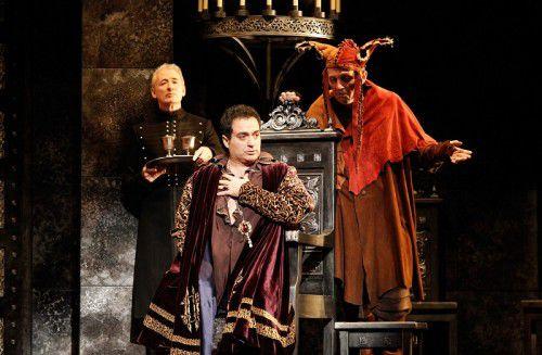 Opera Australia, Rigoletto, photo by Jeff-Busby