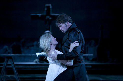 Taryn Fiebig as Zerlina and Teddy Tahu Rhodes as Don Giovanni. Photo Lisa Tomasetti.