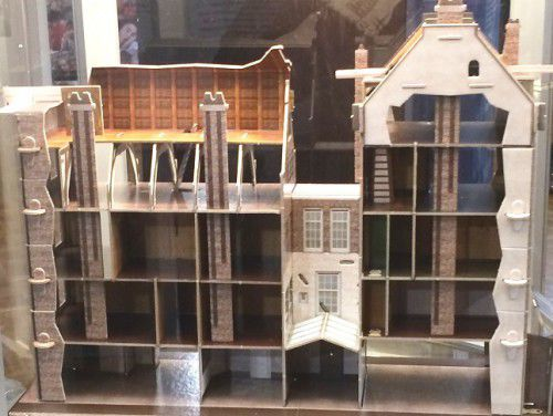 Model of the house and annexe