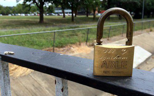 lyneham love lock