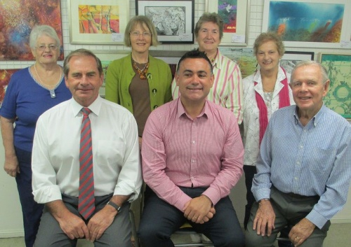 Back. Belinda Ingram (V-Pres), Rosanna Burston (Sec.), Pam Padovan (Tres.) and Karen Hall (Committee). Frpont. Tim Overall (Mayor), The Hon John Barilaro and Barry Cranston (Pres)