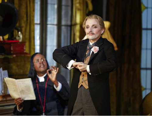 Warwick Fyfe  as Dr Bartolo, photo Keith Saunders