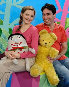 Image: Justine Clarke and Alex Papps. © Australian Broadcasting Corporation 2016