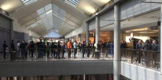 apple queue canberra centre