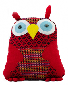 A red owl by refugee Pakao Sorn. Photo by Danielle Nohra