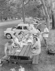 Picnickers at the Cotter Reserve on Boxing Day, 1958. Photo by W Pedersen