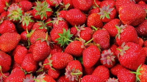 Needles found in third brand of strawberries