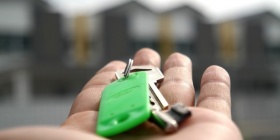 key, keys, house, home, rent, buy, pexels