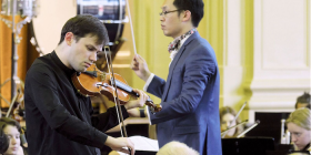 """Guest artist and alumni Kristian Winther... gave a brilliant and virtuosic performance as violin soloist in Mendelssohn's """"Introduction and Rondo Capriccioso"""". Photo by Peter Hislop"""